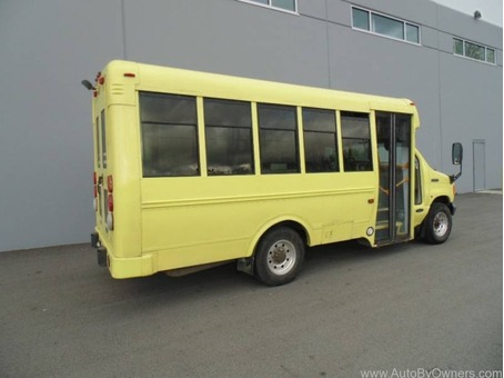 2006 Ford Econoline Commercial Cutaway E-350 DIESEL
